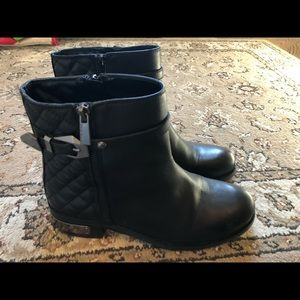Moto boots , Vince Camino, black , gently used.